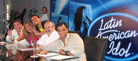 Latin American Idol Hadyi 2Clicks demm9000 jurado